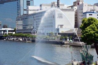 OMM 京阪シティモール 剣先公園の噴水