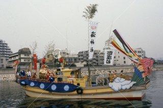 海神社秋祭り 海上渡御 12日西垂水