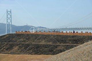 五色塚古墳前方部 明石海峡大橋