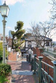 坂上よりベンの家望む 神戸北野