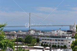 明石市立文化博物館より 神戸大学附属小学校 明石海峡大橋