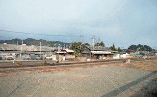 漆生駅 ホーム遠望 漆生線廃止 昭和61 1986