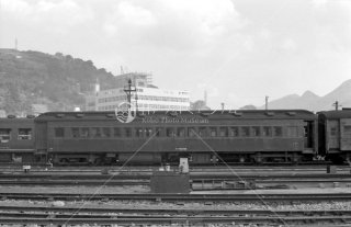 長崎機関区 長崎客貨車区所属と思われるスハフ3262 1963年11月