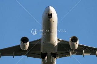 飛行機 離陸 車輪格納中