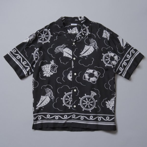 <img class='new_mark_img1' src='https://img.shop-pro.jp/img/new/icons1.gif' style='border:none;display:inline;margin:0px;padding:0px;width:auto;' />SOLARIS&CO/PATTERN OP S/S SHIRT
