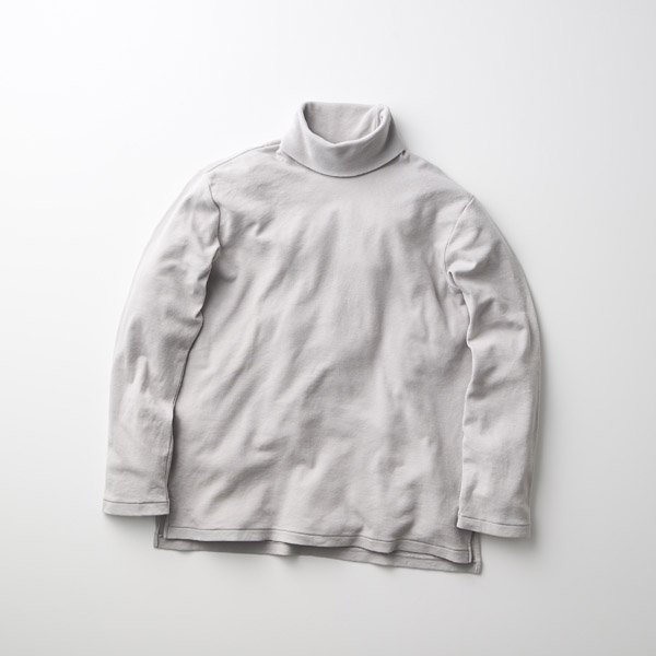 <img class='new_mark_img1' src='https://img.shop-pro.jp/img/new/icons1.gif' style='border:none;display:inline;margin:0px;padding:0px;width:auto;' />CURLY/CRUNCH CASHMERE L/S TTL TEE