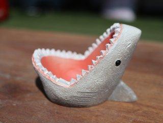 サメあんぐりポット
