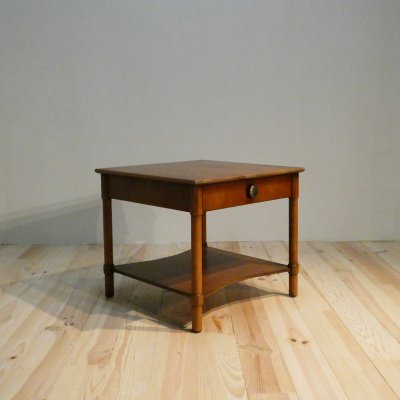 <img class='new_mark_img1' src='https://img.shop-pro.jp/img/new/icons50.gif' style='border:none;display:inline;margin:0px;padding:0px;width:auto;' />Vintage End Table/HENREDON