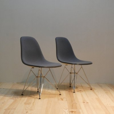 <img class='new_mark_img1' src='https://img.shop-pro.jp/img/new/icons30.gif' style='border:none;display:inline;margin:0px;padding:0px;width:auto;' />Vintage Eames Shell Chair / HERMAN MILLER