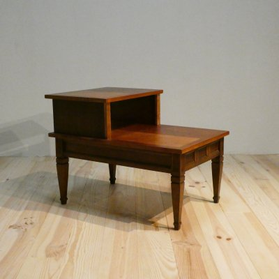 <img class='new_mark_img1' src='https://img.shop-pro.jp/img/new/icons50.gif' style='border:none;display:inline;margin:0px;padding:0px;width:auto;' />Vintage End Table/BASETT FURNITURE