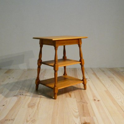 <img class='new_mark_img1' src='https://img.shop-pro.jp/img/new/icons50.gif' style='border:none;display:inline;margin:0px;padding:0px;width:auto;' />Vintage Side Table / HEYWOOD WAKEFIELD