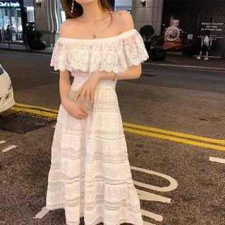 胸フリルドレス 白 オフショルドレス フェミニン かわいい 女の子 シースルー リゾートワンピ フレアスカート