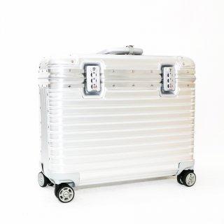 リモワRIMOWA★パイロット 機内持込サイズ スーツケース 923.50.00.4 4輪 34L★236817★超美品 正規品★