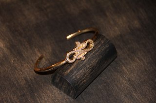 Herba Bangle 18KGP<img class='new_mark_img2' src='https://img.shop-pro.jp/img/new/icons5.gif' style='border:none;display:inline;margin:0px;padding:0px;width:auto;' />