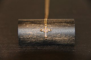 Cluxe Cross Pendant 「XS」 18KYG<img class='new_mark_img2' src='https://img.shop-pro.jp/img/new/icons5.gif' style='border:none;display:inline;margin:0px;padding:0px;width:auto;' />