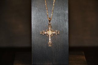 Cluxe Cross Pendant 18KYG<img class='new_mark_img2' src='https://img.shop-pro.jp/img/new/icons5.gif' style='border:none;display:inline;margin:0px;padding:0px;width:auto;' />