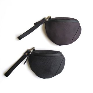 URU(ウル) LEATHER POUCH