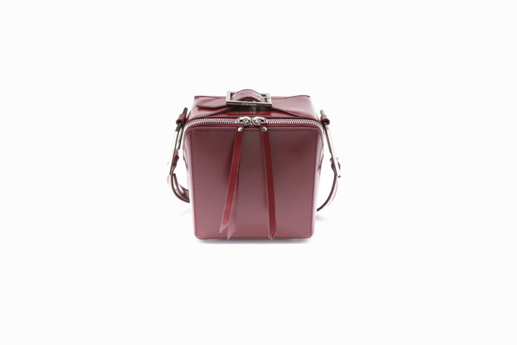 【40% OFF】SQUARED SHOULDER BAG BURGANDY