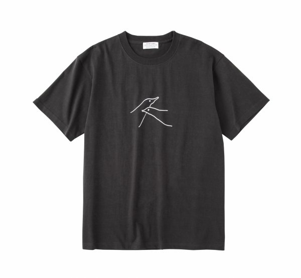 BIRDS T-Shirt<img class='new_mark_img2' src='https://img.shop-pro.jp/img/new/icons8.gif' style='border:none;display:inline;margin:0px;padding:0px;width:auto;' />