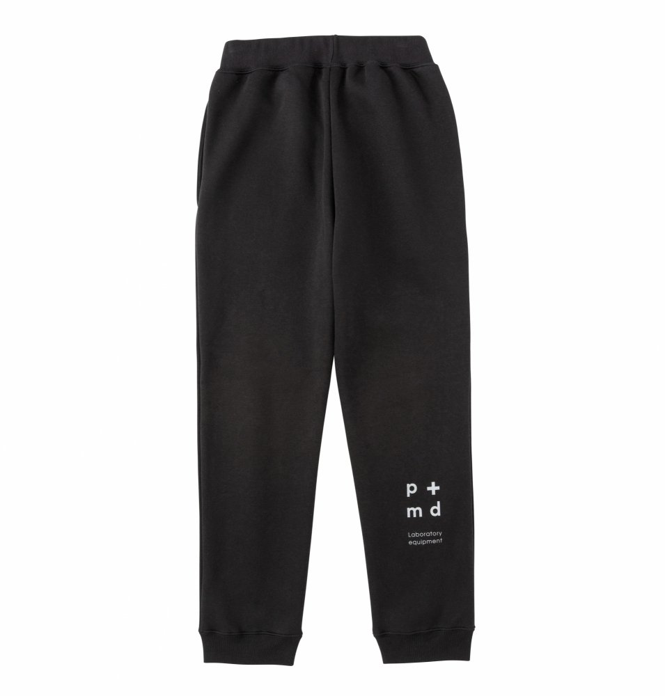 PMD+LAB Emblem Sweat Pants<img class='new_mark_img2' src='https://img.shop-pro.jp/img/new/icons8.gif' style='border:none;display:inline;margin:0px;padding:0px;width:auto;' />