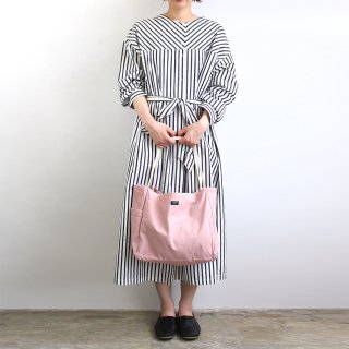 DAILY / TOTE M