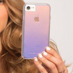 【光の加減で色が変化する個性的なケース】 iPhone SE(第2世代/2020年発売) / 8/7/6s/6 Naked Tough - Iridescent