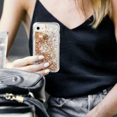 【ラメが滝のように流れる】 iPhone SE(第2世代/2020年発売) / 8 / 7 / 6s / 6 Case Waterfall Gold