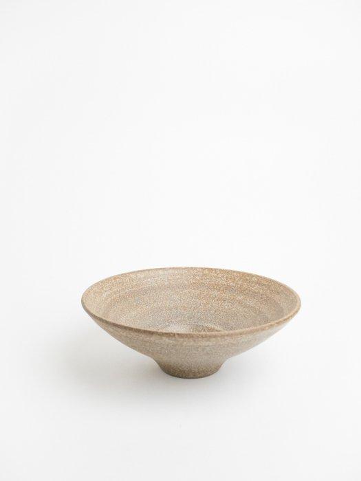 Bowl with small hole(Mat gray brown) / Gurli Elbaekgaard