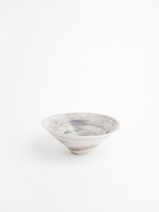 切立鉢 / 鮫島陽