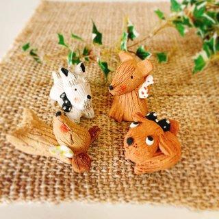 【子犬の人形】 陶器のワンちゃん 陶芸作家の手づくり和陶器 素朴な味わいが魅力 インテリアや箸置きに