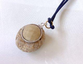 魔除け念力石<br>姫川薬石とラジウム約10μSv(マイクロシーベルト)