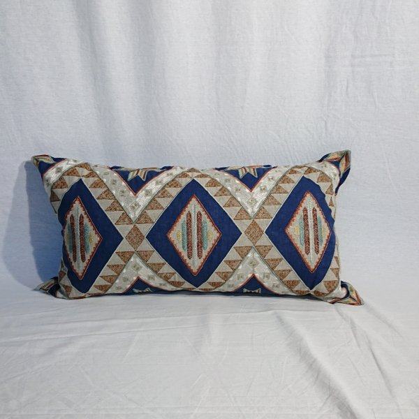 <img class='new_mark_img1' src='https://img.shop-pro.jp/img/new/icons47.gif' style='border:none;display:inline;margin:0px;padding:0px;width:auto;' />CORAL&TUSK  Compass Applique Navy Pillow