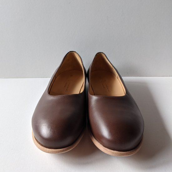 <img class='new_mark_img1' src='https://img.shop-pro.jp/img/new/icons11.gif' style='border:none;display:inline;margin:0px;padding:0px;width:auto;' />maison de soil  PLAIN TOE PUMPS