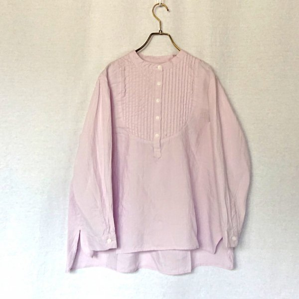 <img class='new_mark_img1' src='https://img.shop-pro.jp/img/new/icons11.gif' style='border:none;display:inline;margin:0px;padding:0px;width:auto;' />ROBE de PEAU  LINEN PINTUCK BLOUSE