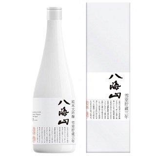 八海山 純米大吟醸 雪室貯蔵三年≪化粧箱入≫<br>【720ml】