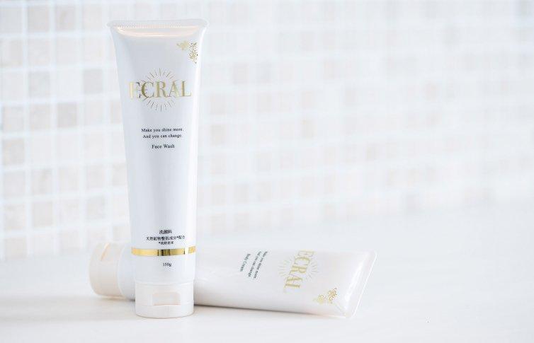 モイスチャーフェイシャルウォッシュ<small>(洗顔フォーム)</small><br>ECRAL Face Wash<small> (face wash)</small>