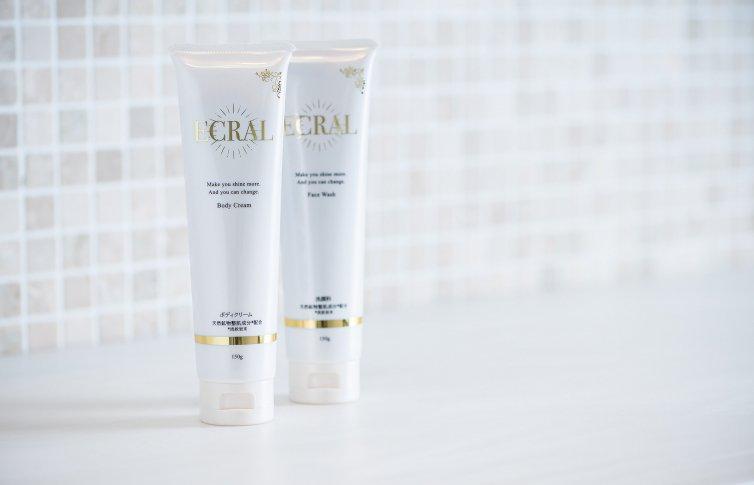 モイスチャーリッチクリーム<small>(ボディクリーム)</small><br>ECRAL Body Cream<small> (body cream)</small>