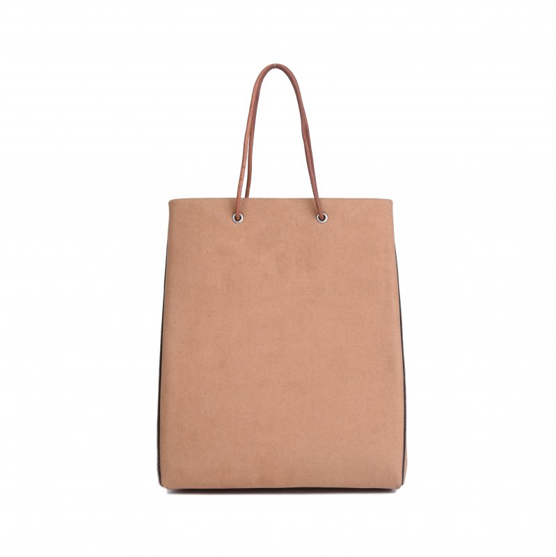 <img class='new_mark_img1' src='https://img.shop-pro.jp/img/new/icons8.gif' style='border:none;display:inline;margin:0px;padding:0px;width:auto;' />ECO SUEDE TOTE/ BEIGE