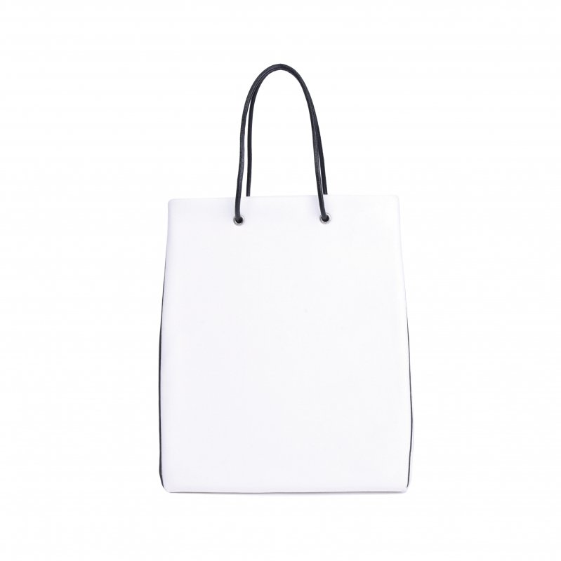 <img class='new_mark_img1' src='https://img.shop-pro.jp/img/new/icons8.gif' style='border:none;display:inline;margin:0px;padding:0px;width:auto;' />ECO SUEDE TOTE/ WHITE