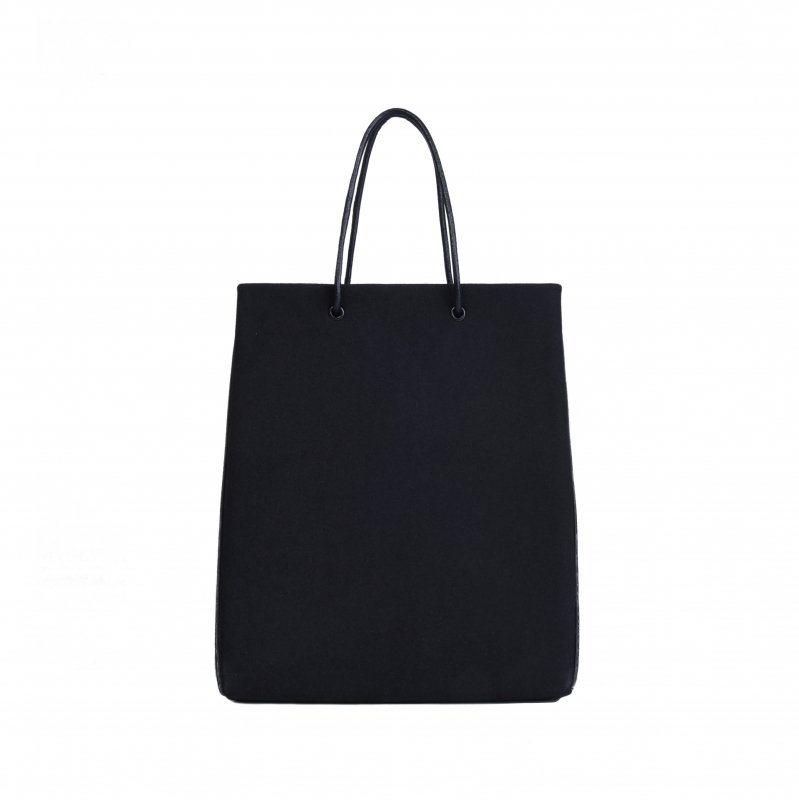 <img class='new_mark_img1' src='https://img.shop-pro.jp/img/new/icons8.gif' style='border:none;display:inline;margin:0px;padding:0px;width:auto;' />ECO SUEDE TOTE/ BLACK