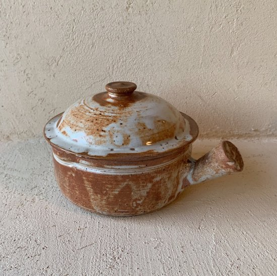 Vintage terracotta pot<img class='new_mark_img2' src='https://img.shop-pro.jp/img/new/icons47.gif' style='border:none;display:inline;margin:0px;padding:0px;width:auto;' />
