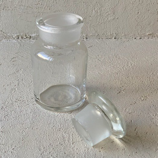 Vintage medicine bottle.d<img class='new_mark_img2' src='https://img.shop-pro.jp/img/new/icons47.gif' style='border:none;display:inline;margin:0px;padding:0px;width:auto;' />