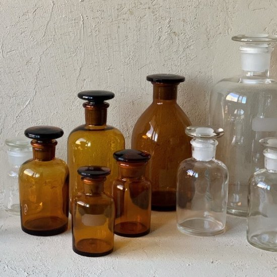 Vintage medicine bottle.f<img class='new_mark_img2' src='https://img.shop-pro.jp/img/new/icons47.gif' style='border:none;display:inline;margin:0px;padding:0px;width:auto;' />