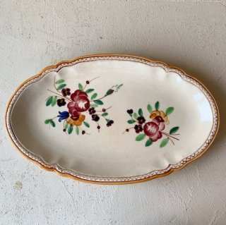 Antique oval plate<img class='new_mark_img2' src='https://img.shop-pro.jp/img/new/icons47.gif' style='border:none;display:inline;margin:0px;padding:0px;width:auto;' />