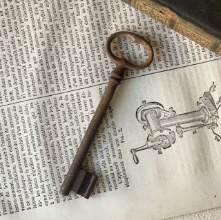 France antique key.d