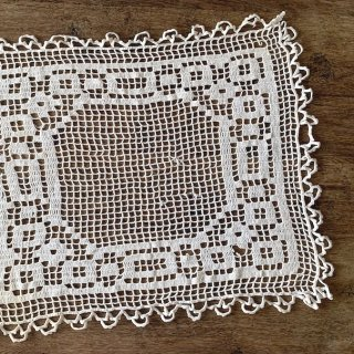 Vintage lace cloth<img class='new_mark_img2' src='https://img.shop-pro.jp/img/new/icons47.gif' style='border:none;display:inline;margin:0px;padding:0px;width:auto;' />
