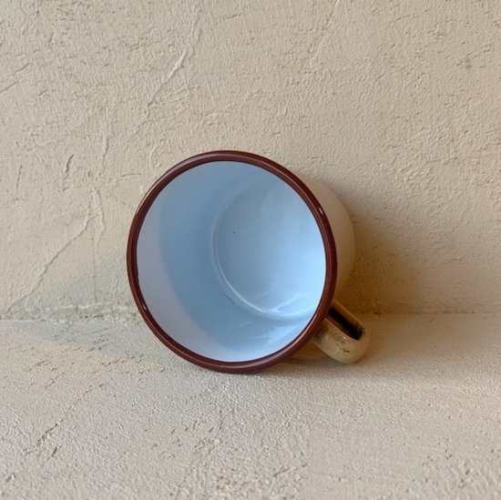 Porcelain enamel cup.a<img class='new_mark_img2' src='https://img.shop-pro.jp/img/new/icons47.gif' style='border:none;display:inline;margin:0px;padding:0px;width:auto;' />