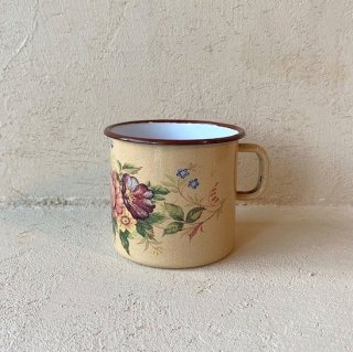 Porcelain enamel cup.b<img class='new_mark_img2' src='https://img.shop-pro.jp/img/new/icons47.gif' style='border:none;display:inline;margin:0px;padding:0px;width:auto;' />