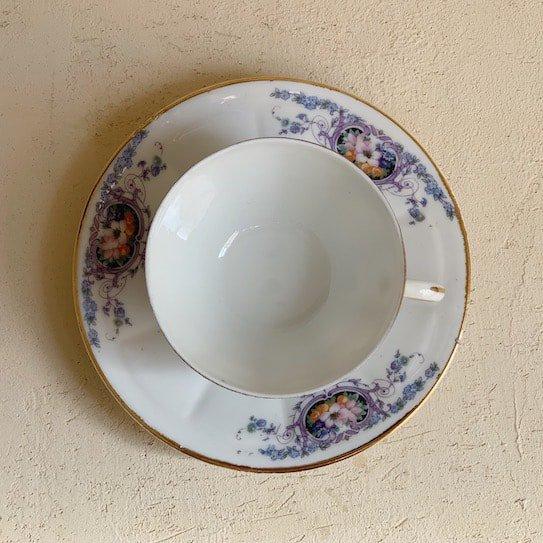 Vintage cup&saucer.b
