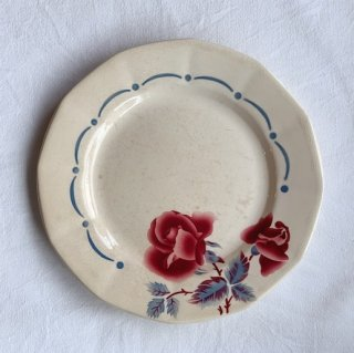 Sarreguemines rose plate<img class='new_mark_img2' src='https://img.shop-pro.jp/img/new/icons47.gif' style='border:none;display:inline;margin:0px;padding:0px;width:auto;' />